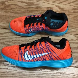 Nike Women's Lunaracer 3 Flywire Running Shoes
